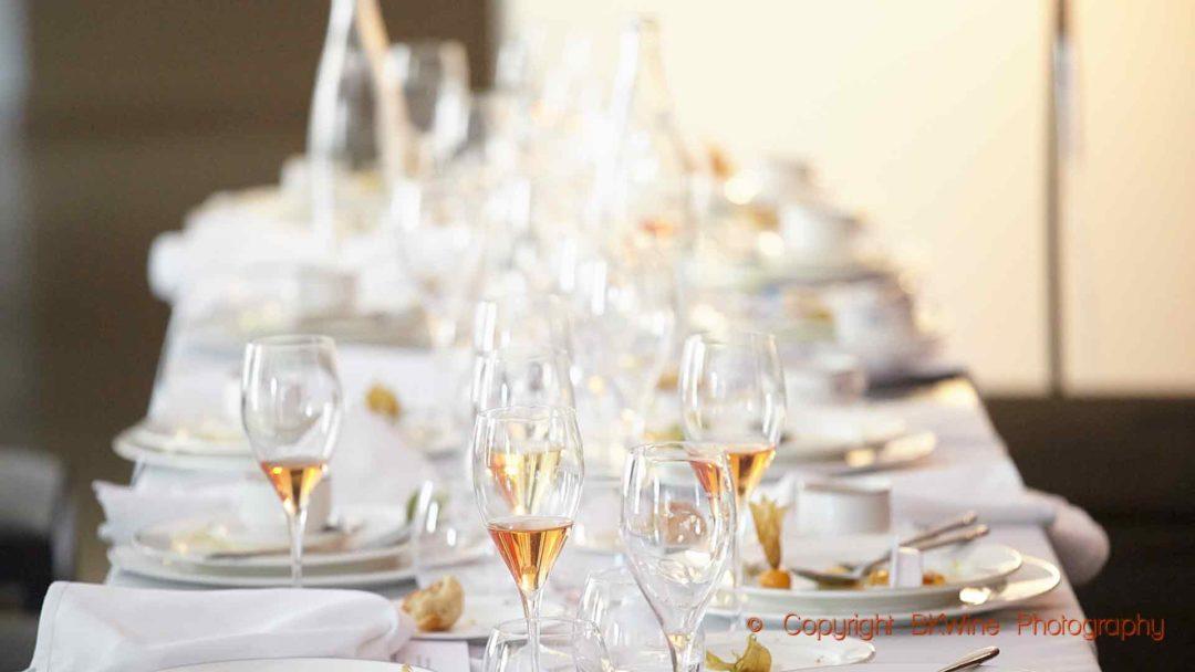 Provning och lunch hos en producent avklarad i Champagne